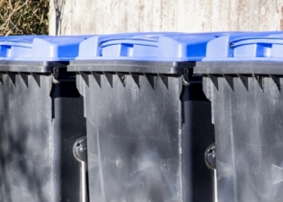 Commercial Wheelie Bin Cleaning services in the Barnet Borough