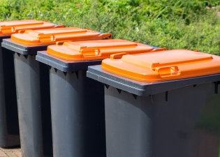 Residential and Domestic Wheelie Bin Cleaning services in the Barnet Borough from £4.00 per clean